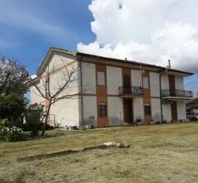 CASALE CON AMPIO GIARDINO - Borgo Hermada